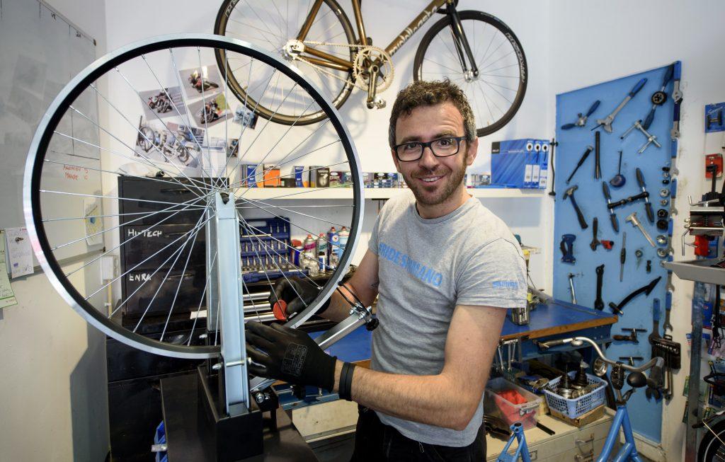 Bike repair Amsterdam - De Baarsjes